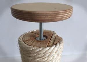 Der drehbare Deckenspanner für einen Kratzbaum deckenhoch